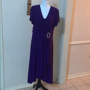 R & M Richards woman formal long dress size 16W